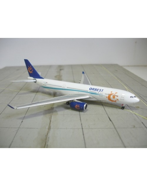 Orbest Airbus A330-243 CS-TRA 1/400 scale diecast Phoenix Models
