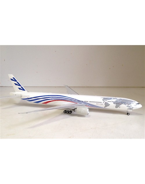 Boeing 777-300ER N5016R House colors 1/200 scale diecast Phoenix Models