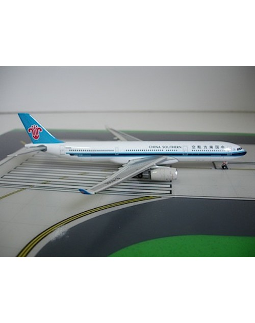 China Southern Airbus A330-343X B-6086 1/400 scale diecast Phoenix Models